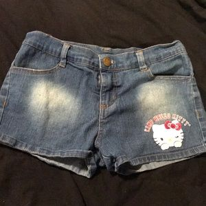 13af230b8 Hello Kitty Bottoms - Camp Hello Kitty Girls Denim Shorts sz. 7/8
